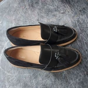 Clark's 7 black suede leather loafer with tassels